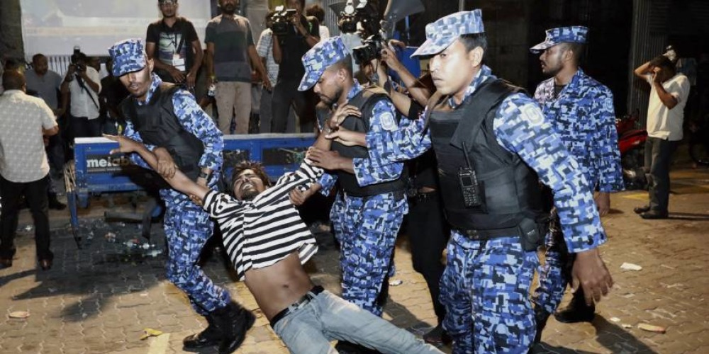 Maldives: Sinking literally and politically
