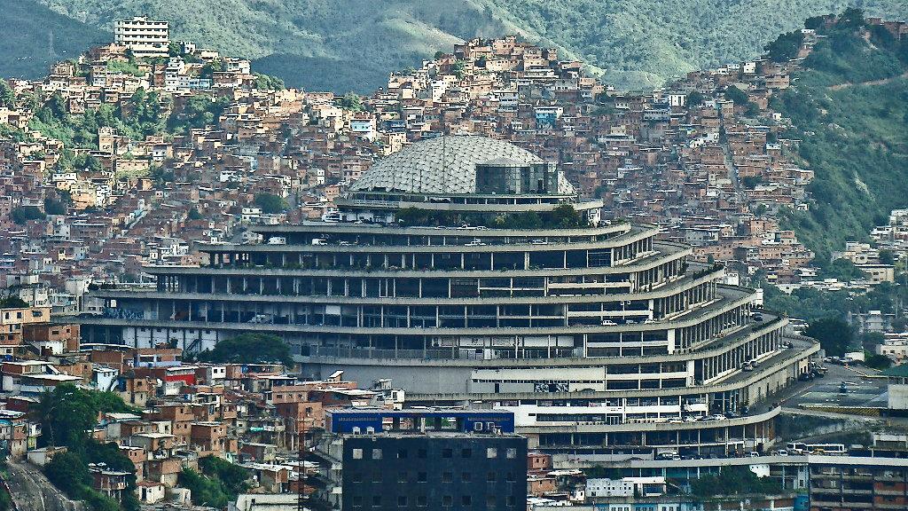 Venezuela: The Gordian knot