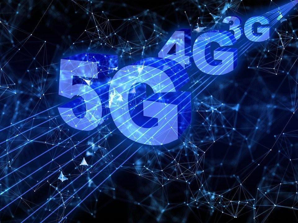 Worldwide: The politics of 5G